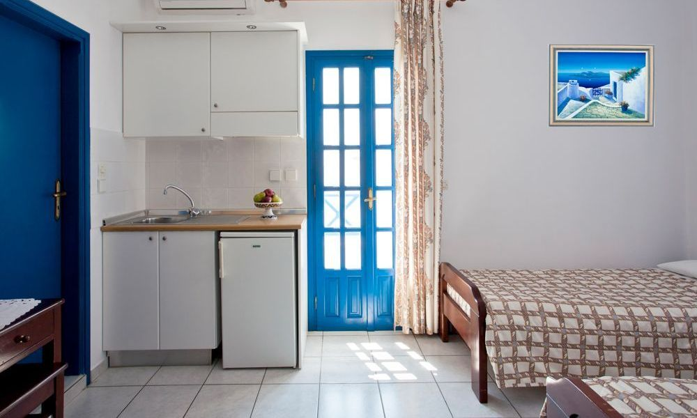 santorini-studios-for-rent-3