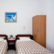 santorini-studios-for-rent-10
