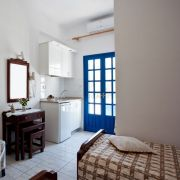 santorini-studios-for-rent-11