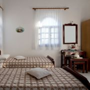 santorini-studios-for-rent-21