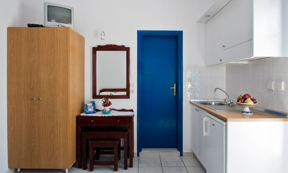 santorini-studios-for-rent-2