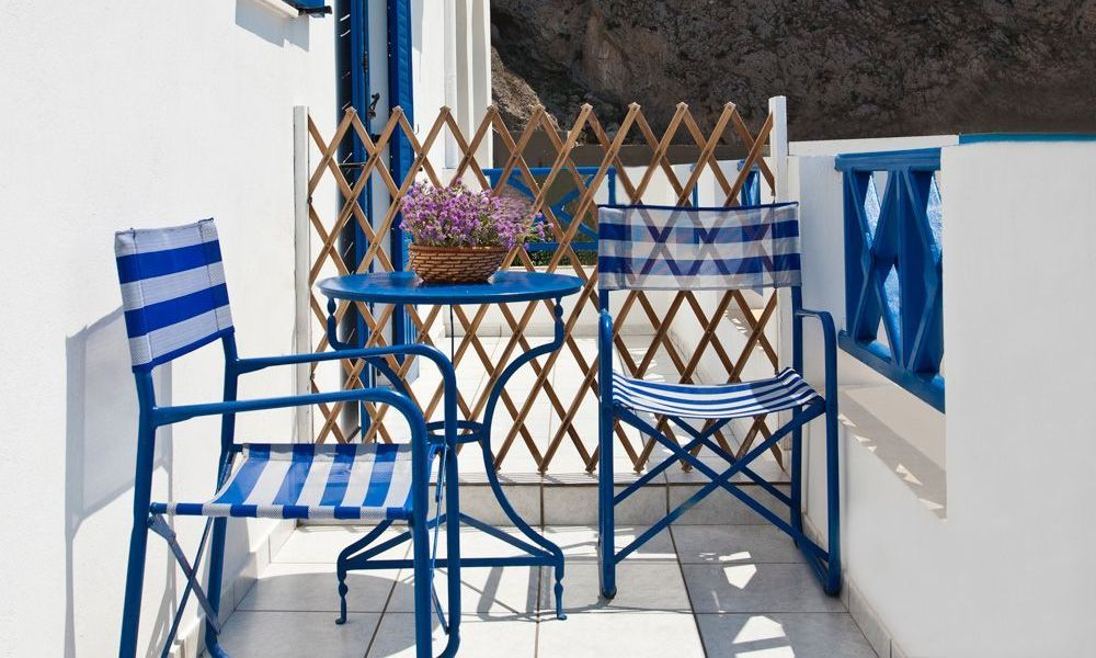 santorini-studios-for-rent-4