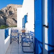santorini-studios-for-rent-23