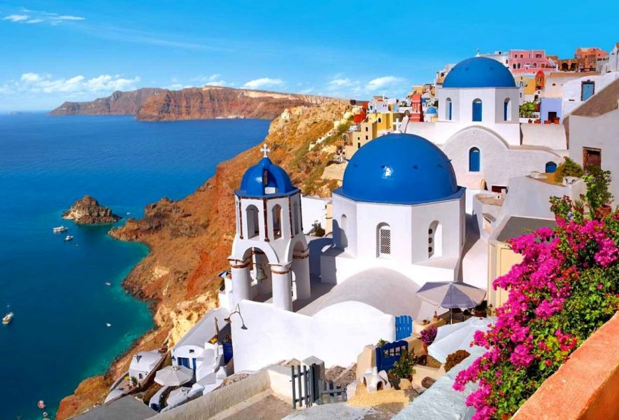 houses-santorini-greece-town